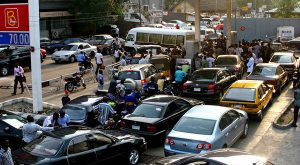 04-02-2016-nigeria-fuel-lines-2