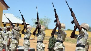 nigeria-troops-with-rifles