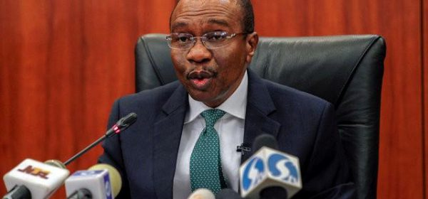 Central Bank Governor Godwin Emefiele speaks during the monthly Monetary Policy Committee meeting in Abuja, Nigeria  January 26, 2016.  REUTERS/Afolabi Sotunde/File Photo